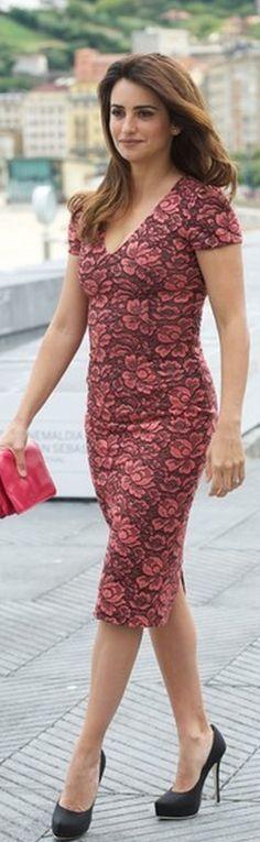 Penelope Cruz: Dress - L'Wren Scott Shoes - Ferragamo LWren Scott Coral and Black Flower Lace Dress