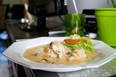 Peixe com Leite de Coco, perfeito para um almoço em amigos. Clique na imagem para ver a receita no blog Manga com Pimenta.