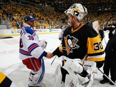 NEW YORK RANGERS VS. PITTSBURGH PENGUINS - GAME FIVE PITTSBURGH, PA - APRIL 23: Matt Murray #30 of the Pittsburgh Penguins shakes hands with Henrik Lundqvist #30 of the New York Rangers after a 6-3 win to clinch the series in Game Five of the Eastern Conference First Round during the 2016 NHL Stanley Cup Playoffs at Consol Energy Center on April 23, 2016 in Pittsburgh, Pennsylvania. (Photo by Gregory Shamus/NHLI via Getty Images)