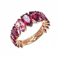 Ring with pink sapphires set on rose gold by Stefan Hafner