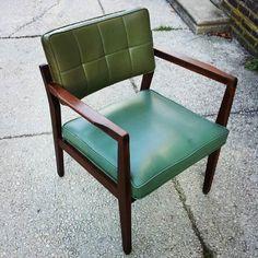 We got an incredible lot of eight walnut Jasper Chair Company chairs today! MCM at it's finest #mcm #jasperchaircompany #blackwalnut  #Philadelphiasalvage #mtairyvillage #shoplocal