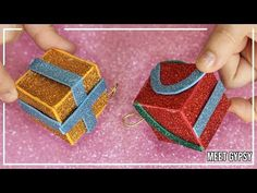 Foam Crafts, Diy And Crafts, Arts And Crafts, Christmas Deco, Christmas Crafts, Christmas Ornaments, Kids And Parenting, Glitter, Birthday