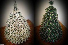 Christmas Makes, Christmas Time, Christmas Crafts, Cup Crafts, Crafts To Do, Bordados E Cia, Alternative Christmas Tree, Cup Art, Latte Art