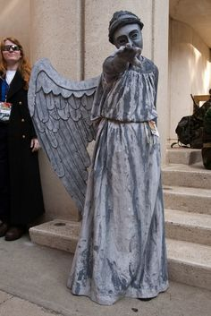 Dr Who - weeping angel costume  Can you imagine being stuck in a maze with a whole bunch of weeping angels? It gives me the heebie geebies!
