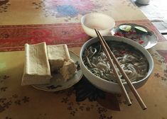 Taste Vietnamese kitchen and learn to cook local dishes in a Duara village — Duara Travels Vietnamese Summer Rolls, Vietnamese Pho, Vietnamese Cuisine, Vietnamese Recipes, Rice Noodles, Learn To Cook, Drinking Tea, Homemade, Snacks