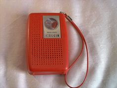 Vintage Elgin AM  Transistor Radio solid state red plays well made in hong kong