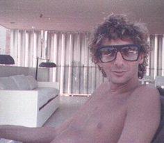 Barry Manilow - a rare shirtless photo