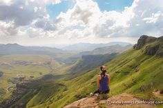 Visiting South Africa with limited time to see everything? Here are a couple of awesome short treks in South Africa that are sure to wow you with beauty. China Travel, New Travel, Travel Goals, Solo Travel, China Trip, Overseas Travel, Beautiful Places To Visit, Oh The Places You'll Go, Honeymoon Photography