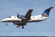 United Express (SkyWest Airlines) More: Embraer EMB-120ER Brasilia  More: Los Angeles - International (LAX / KLAX) More: USA - Californ...