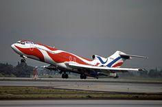 Braniff Boeing 727-200 - Alexander Calder's design painted in 1975, celebrating the U.S. bicentenial.