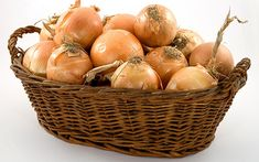The Best Way to Prepare Garden Onions for Winter Storage Health And Beauty, Health And Wellness, Health Fitness, Gastritis Erosiva, A Food, Food And Drink, Planting Onions, Organic Beauty, Natural Remedies
