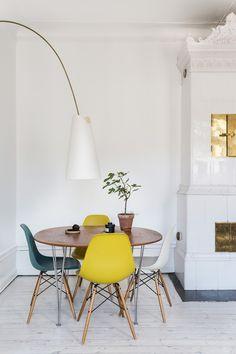 Diningtable stove vasastan stockholm interior deco Upplandsgatan 36, 4 tr. | Fantastic Frank