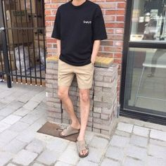 Brilliant Summer Outfits Ideas For Guys 28 Brilliant Summer Outfits Ideas For Guys 28 Korean Fashion Men, Korean Street Fashion, Ulzzang Fashion, Mens Fashion, Fashion Vest, Boys Summer Outfits, Trendy Outfits, Boy Outfits, Mens Clothing Styles