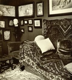 Sigmund Freud's psychoanalytic office in Vienna Photographed by Edmund Engelmann 1938. I'd Love To Turn You On