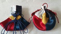 규방공예 - 오방색 귀주머니, 오방색 두루주머니 오방낭은 노랑, 파랑, 하양, 빨강, 검정 5섯가지 색을 써... Korean Traditional, Traditional Design, Traditional Outfits, Korean Colors, Korean Crafts, Useful Life Hacks, Kimchi, Silk Fabric, Korean Fashion
