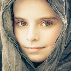 """Little Mona Lisa"" by Javi Inchusta, via 500px."