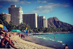 This reminds me a little of Rio ... #honolulu #hawaii #oahu #beachlife #travel #vacation #beach #city #aloha #EyeRanitiTravel #eyeraniticoasttocoast #waikikibeach