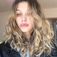 Yvonne Logan - All For Colors Hair Dyed Curly Hair, Curly Hair With Bangs, Wavy Hair, New Hair, Blonde Hair, Curly Hair Styles, Blonde Curly Hair Natural, Natural Curls, Hair Locks