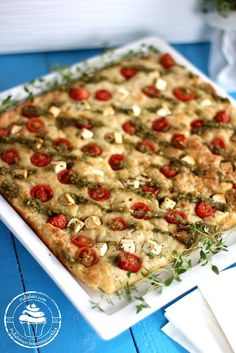 Salty vegetable bars with feta cheese, tomatos and pesto. Salty Foods, Salty Snacks, Finnish Recipes, Savoury Baking, Pesto, Good Food, Bread, Cheese, Vegetables