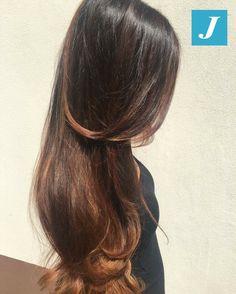 Il Degradé Joelle rende i tuoi capelli lunghi, lucidi e sani. #cdj #degradejoelle #tagliopuntearia #degradé #igers #musthave #hair #hairstyle #haircolour #longhair #ootd #hairfashion #madeinitaly #wellastudionyc