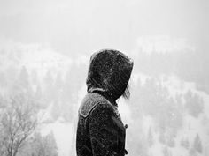 Woman in snow photography Ice Aesthetic, Character Aesthetic, Sara Crispino, Katsuki Yuri, Until Dawn, The Grisha Trilogy, Snow Photography, Yuri Plisetsky, Butterfly Effect