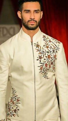 Dhoti Mens, Mens Sherwani, Sherwani Groom, Mens Fashion 2018, Indian Men Fashion, Men's Fashion, Indian Groom Wear, Indian Wedding Wear, Kurta Pajama Men
