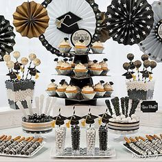 Black Gold Jewelry Classy Graduation party Treats Ideas in Black, Gold and Silver - Party City - Graduation Desserts, Graduation Party Planning, College Graduation Parties, Graduation Celebration, Graduation Decorations, Graduation Party Decor, Grad Parties, Graduation Cupcakes, Graduation Table Ideas