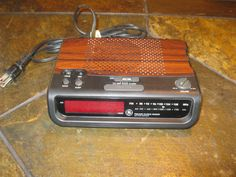 GE (General Electric) FM/AM Alarm Clock Radio (Model 7-4613A) #GE