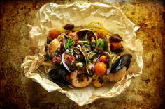 Seafood Pasta Baked in Parchment Paper by Heather (The Pioneer Woman) Seafood Pasta, Fish And Seafood, Seafood Recipes, Seafood Dishes, Linguine Recipes, Pasta Recipes, Dinner Recipes, Jamaican Beef Patties, Food Photography Tips