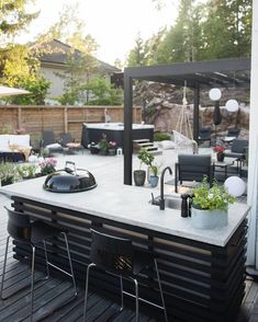 Even though early within strategy, a pergola have been suffering from a present day renaissance Indoor Outdoor Living, Outdoor Rooms, Outdoor Gardens, Outdoor Decor, Backyard Patio, Backyard Landscaping, Best Online Furniture Stores, Furniture Shopping, Affordable Furniture