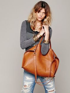 Free People Slouchy Vegan Tote Encontrado en keep.com                                                                                                                                                                                 More