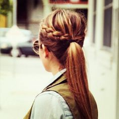 braided ponytail...super easy and very cute for those days ya just don't want to do your hair! Ahhh I miss my hair lol