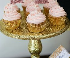 More yummy looking cupcakes! I LOVE pink frosting!*