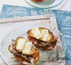 Клаб-сэндвич с сыром бри