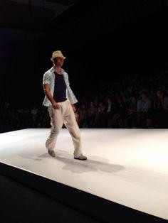 Las guayabera y pantalones de tiro largo en @Lina Cantillo @Cali Exposhow