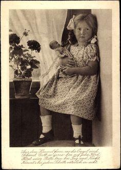 Ansichtskarte / Postkarte Aus dem Himmelferne, wo die Engel sind, Mädchen, Puppe, 1932