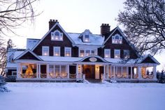 Gorgeous home exterior! half that size would be PERFECT!