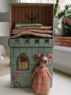 Princess-on-the-Pea-Maileg-13cm-Maus-Prinzessin-auf-der-Erbse-Schloss-Vintage