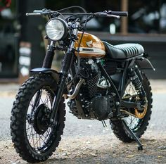 As the world's largest producer of motorcycles, it comes as no surprise that Honda cafe racers are commonplace. Here are our Top 10 Honda Cafe Racer picks. Cafe Racer Honda, Honda Scrambler, Gs 500 Cafe Racer, Scrambler Cafe Racer, Cafe Racer Bikes, Cafe Racer Motorcycle, Honda Motorcycles, Yamaha Tw200, Victory Motorcycles