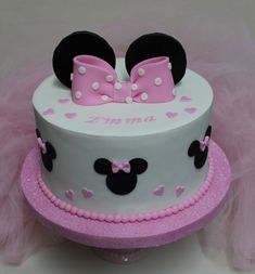 🍦Look Who's 2 Minnie Mouse Cake Minni Mouse Cake, Minnie Mouse Birthday Cakes, Mickey Mouse Cupcakes, 4th Birthday Cakes, Mickey Mouse Birthday, Minnie Mouse Party, Bolo Minnie, Minnie Cake, Mickey Cakes