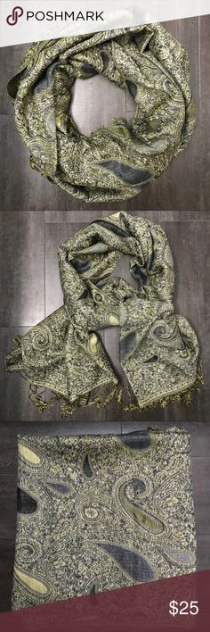 Paisley Pashmina Scarf Beautiful paisley pattern scarf. Very warm Accessories Scarves & Wraps