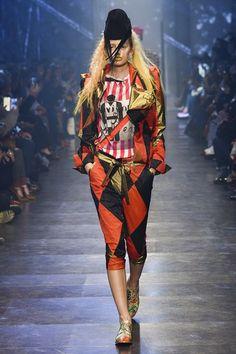 Vivienne Westwood - Paris Fashion Week SS 2016