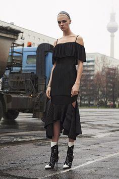 Givenchy Pre-Fall 2016 Fashion Show