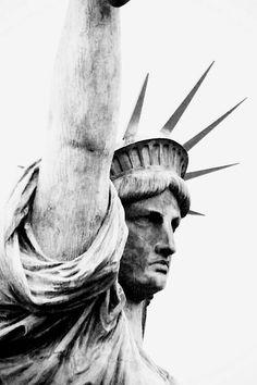 Liberty Statue, New York New York City, Liberty Statue, Empire State Of Mind, Arte Sketchbook, Travel Sketchbook, I Love Ny, Foto Art, Concrete Jungle, Pics Art