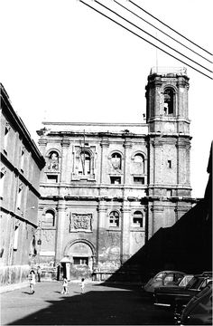 Louvre, Building, Travel, Old Photography, Zaragoza, Old Pictures, Cities, Navidad, Buildings