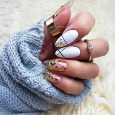 Why does women fancy Designed Short Square Nails? - Fashion is an attitude. Almond Nails Designs Summer, Winter Nail Designs, Cute Nail Designs, Snowflake Nail Design, Snowflake Nails, Almond Shape Nails, Almond Acrylic Nails, Romantic Nails, Short Square Nails