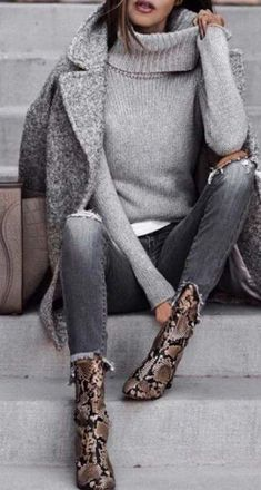 this minimalist outfit with love for great snake patterns . - Source by outfits winterLove this minimalist outfit with love for great snake patterns . - Source by outfits winter Winter Outfits Women, Winter Fashion Outfits, Casual Fall Outfits, Autumn Winter Fashion, Fall Winter, Winter Season, Outfit Winter, Autumn Casual, Dress Winter