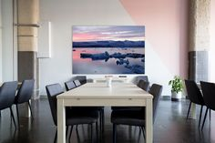 """Atardecer en el glaciar"" una fotografía de Javier Aranburu.  #decorativephoto#photodecoration#interiorism#despacho#saladereuniones#fotografíadeautor#fotografíaydecoración#meetingroom#icelandscape#glaciar#arteeneltrabajo"