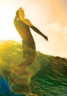 surf the wave. love the lens flare!  Would love nothing more than to be on this board right now!! The ocean has amazing powers for my soul!
