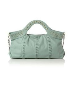 Fabulous Designer Chain Pouch Trendy Bag  http://everythingfor10pounds.co.uk/accessories/bags/fabulous-designer-chain-pouch-trendy-bag.html